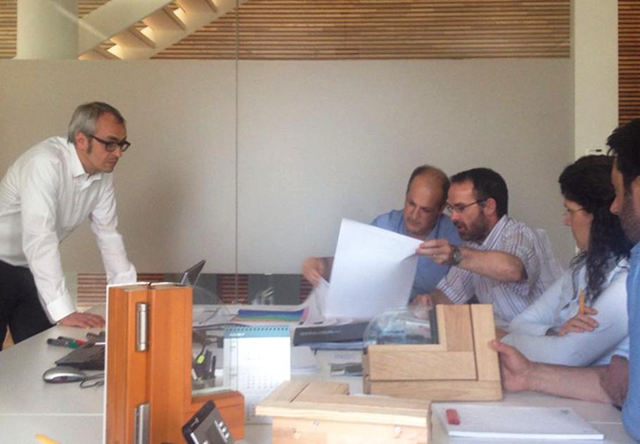 Carretta Serramenti produzione finestre in legno e alluminio incontro Casaclima architetto Benedikter